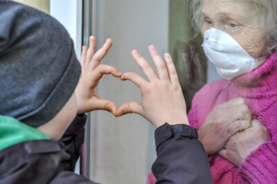كبار السن وقاية من فيروس كورونا أمراض مزمنة